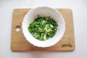 Зеленый салат с редиской - фото шаг 3
