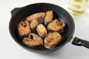 Горбуша в сметане на сковороде - фото шаг 5