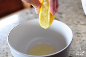 Салат из фасоли с чесноком - фото шаг 5