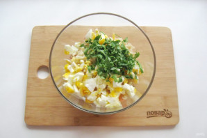 Салат с лапшой и колбасой - фото шаг 7