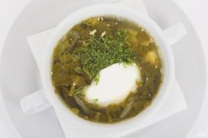 Суп из консервированного щавеля с тушенкой - фото шаг 4