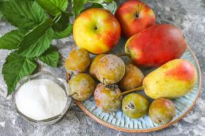 Компот из яблок, груш и слив - фото шаг 1