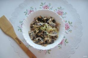 Салат с мясом и жареными шампиньонами - фото шаг 10