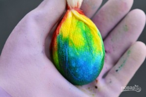 Радужные яйца на Пасху - фото шаг 6