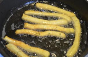 Хворост картофельный - фото шаг 8