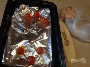 Салат с моцареллой, запеченными перцем и помидорами - фото шаг 3