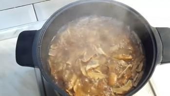 Грибная юшка (суп с грибами) - фото шаг 4