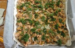 Пирог с грибами из слоеного бездрожжевого теста - фото шаг 8