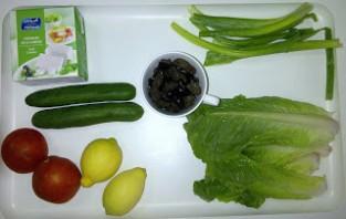 Овощной салат с сыром фета - фото шаг 1