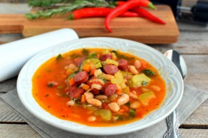 Зимний фасолевый суп с колбасками - фото шаг 9