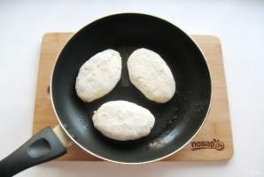 Жареные картофельные пирожки с квашеной капустой - фото шаг 12