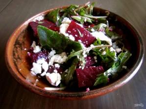 Салат с запеченной свеклой и сыром - фото шаг 5