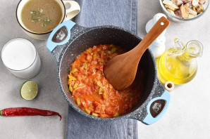 Суп из коктейля морепродуктов - фото шаг 4