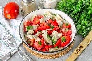 Салат с селедкой и помидорами - фото шаг 6