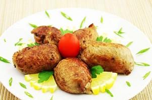 Куриные шейки, фаршированные потрошками - фото шаг 9