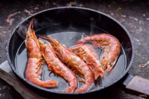 Жареные королевские креветки с чесноком - фото шаг 2