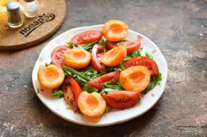 Салат из абрикосов с помидорами - фото шаг 4