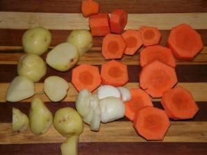 Овощное рагу с гусиным мясом - фото шаг 1
