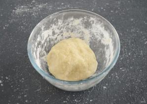 Тесто для вареников без яиц - фото шаг 4