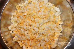 Салат из яиц и сыра - фото шаг 1