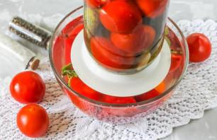 Соленые помидоры с перцем - фото шаг 7