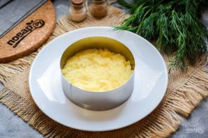 Слоеный салат с тунцом и картофелем - фото шаг 2