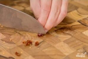 Маринованная капуста с острым перцем - фото шаг 4