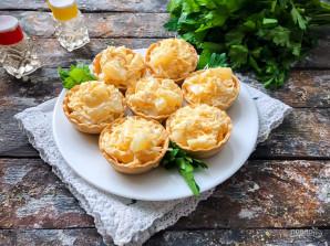 Тарталетки с сыром, ананасом и чесноком - фото шаг 6