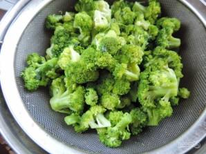 Запеченная брокколи под соусом - фото шаг 2
