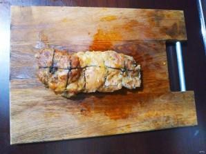Жаркое из свинины, фаршированное яблоками и клюквой - фото шаг 8