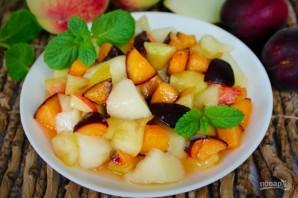 Фруктовый салат из дыни, персика и черного абрикоса - фото шаг 6
