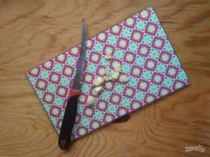 Филе индейки с чесноком в фольге - фото шаг 2