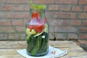 Огурчики с помидорами на зиму - фото шаг 2