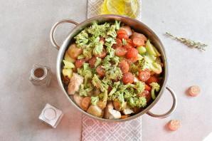 Индейка с овощами на сковороде - фото шаг 5