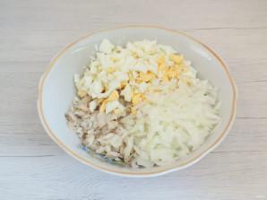 Салат из минтая в огуречном рассоле - фото шаг 5