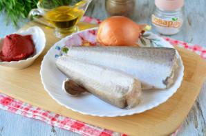 Рыба запеченная с чесноком в духовке - фото шаг 1