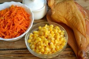 Салат с корейской морковкой и копченой курицей - фото шаг 1