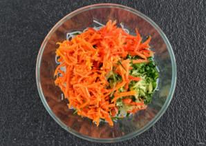 Салат из фунчозы с огурцом - фото шаг 5