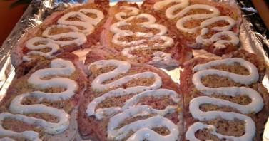Мясо по-французски в фольге с грибами - фото шаг 4