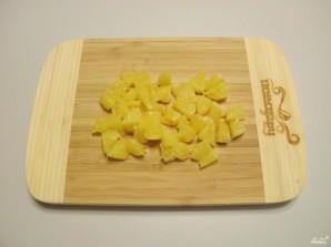 Салат новогодний с крабовыми палочками - фото шаг 4
