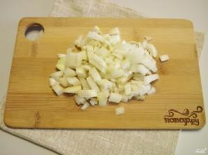 Салат с консервированной рыбой - фото шаг 3