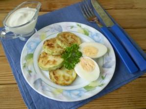 Кабачки жареные с яйцом - фото шаг 9