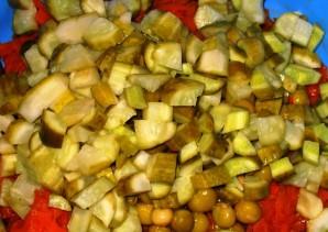 Салат из тушеной моркови - фото шаг 4