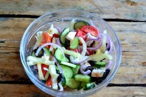 Греческий салат классический - фото шаг 8