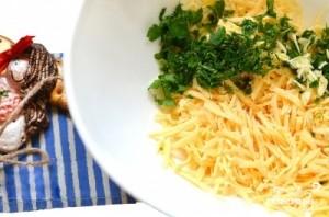 Сырный салат с яйцом - фото шаг 1