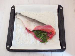 Горбуша в соли в духовке - фото шаг 4