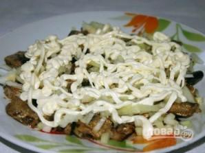 Салат из шпротов - фото шаг 4
