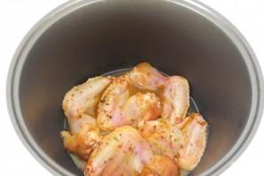 Курица в мультиварке - фото шаг 4