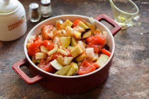 Индейка с баклажанами и помидорами в духовке