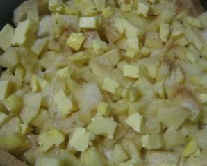 Шарлотка из батона с яблоками - фото шаг 7
